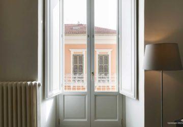 la finestra della camera matrimoniale